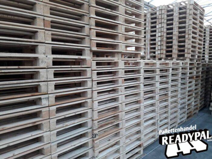 Aankoop en verkoop van blokpalletten