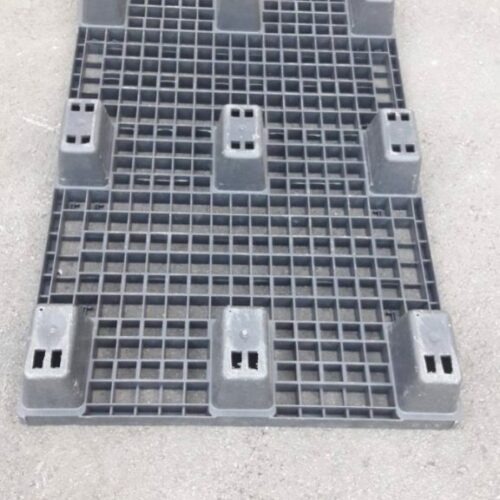 PVC palletten nestbaar onderaanzicht